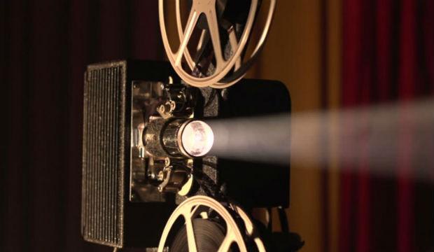 A képhez tartozó alt jellemző üres; FILMJUSKULT.jpg a fájlnév